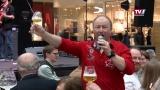 Stargast Harry Prünster in der Weber-/Bierzeile