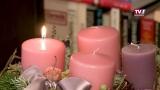 Erste Kerze - Adventkranz im Stift Mattighofen