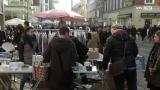 Auf Schnäppchenjagd am Winterflohmarkt