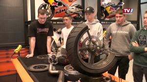 Lehrlingsworkshop in der KTM Motohall
