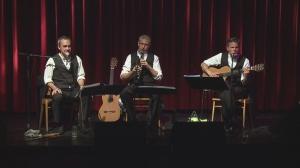 Trio Lepschi zeigt im Kino Ebensee Eier