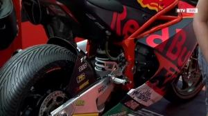 Motorrad-Stars in der Weberzeile Ried