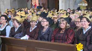 Ja g'wiß is was Schönes: De Goldhaubmtracht! - 40 Jahre Goldhauben- und Kopftuchgruppe Pischelsdorf