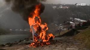 Das alljährliche Fetzen verbrennen