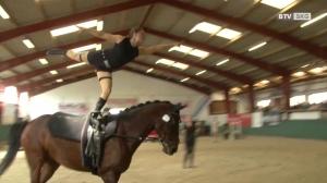 Voltigierturnier URFV Gschwandt - Zusammenspiel zwischen Mensch und Pferd