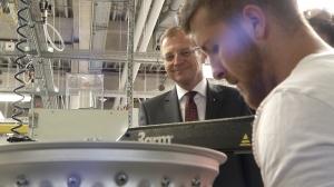 Landeshauptmann Stelzer zu Besuch bei KTM & B&R
